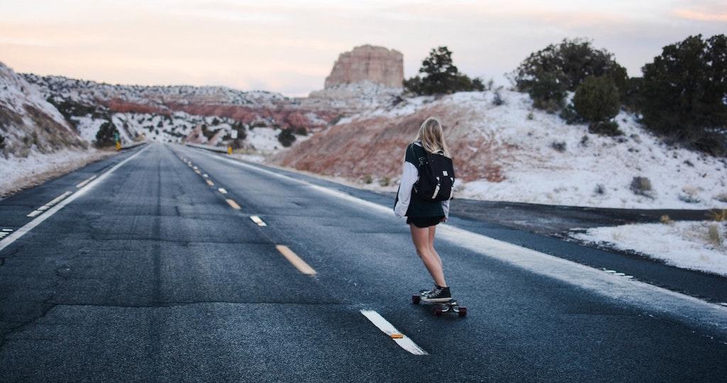 girl-road-skate